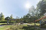 学園東町公園 約630m(徒歩8分)