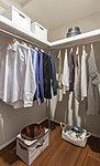 洋室(1)などに設置。季節ごとの様々な衣類はもちろん、かさばるモノもたっぷりしまえる大型の収納空聞です。