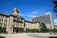 京都市役所 約530m(徒歩7分)