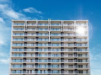 【即入居可!】ここに住まう方や訪れたゲストの方を上質な空気感で包み込む建築美。街角に緑の風景と開放感を演出し、住まう方・地域住民の方の憩いの場となる「プレイロット」も備えております。
