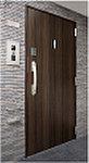 玄関ドアには、上下2カ所で施錠するダブルロック、ドアガードやドアアイなど安心機能を装備しました。