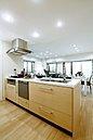 機能性と美しさの両方を備えたキッチン。