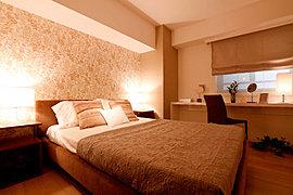 本当の自分へと還る私的スペースを創出し、細心の美意識でデザインされたベッドルームは真の安らぎを生む演出が施されています。<モデルルームCタイプ>