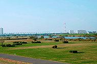 江戸川河川敷緑地 約1,775m(徒歩23分)