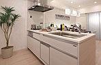 機能性と美しさの両方を備えたキッチン。(施工例)