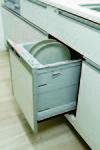 見た目にもすっきり、機能的なビルトイン式の【食器洗浄乾燥機】を全戸に標準装備。場所もとらず、後片付けもスムーズです。(同等仕様)
