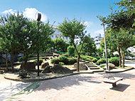 日暮里公園 約265m(徒歩4分)