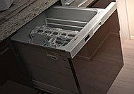 使用水量が抑えられる上、省スペース設計で沢山の食器を洗って乾燥。ビルトインの引き出しタイプなので、食器の出し入れもスムーズです。
