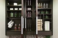 便利な収納スペースを三面鏡の裏に確保。多くなりがちな化粧用品などがすっきり片付けられます。