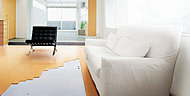 空気を汚さず、頭寒足熱の心地よいぬくもりのガス温水式床暖房を採用しています。