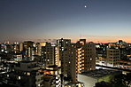 掲載の写真は1202号室からの眺望写真(平成28年11月撮影)です。眺望等は階数・各住戸によって異なり、周辺環境・眺望は将来変わる場合があります。