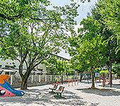 学田公園 A:約210m(徒歩3分)B:約110m(徒歩2分)