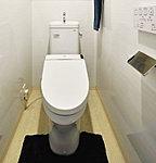 洗浄・脱臭などの多彩な機能を備えたウォシュレットを採用。お掃除のしやすいフチなし形状やトルネード洗浄で、いつものトイレを清潔に保ちます。