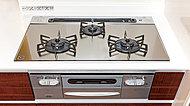 ハーマン製の多機能コンロ。2つの高火力バーナーに、失敗なく揚げ物ができる温度調節機能、さらに無水両面焼きグリルなど。