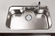 大きなお鍋や食器なども洗いやすいシンク。静音機能付きで気になる水はね音を抑制します。