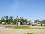 アイランドシティ中央公園(車約4分・約2km)