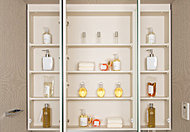 三面鏡裏には、化粧品や小物類などもすっきりと収納できるスペースを設けました。