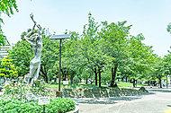 日暮里南公園 約590m(徒歩8分)