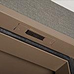 玄関や開閉可能窓に設置したセンサーが不正な侵入を感知して警報音を鳴らしガードセンターに通報。※全住戸の玄関・一部の窓に設置