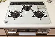 デザインも美しいガラストッププレート。汚れもサッと拭き取ることができ、清潔なキッチンを演出します。
