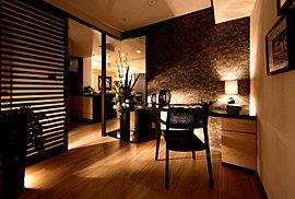 感性を育むプライベートルームはシンプルでスマートな空間に。