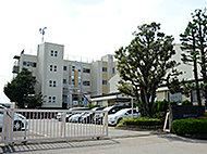 幸房小学校(通学区) 約720m(徒歩9分)