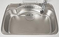 水はねや食器を落とした時の音を軽減する静音仕様のシンクです。