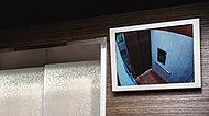 エレベーター内に防犯カメラを設置。1階エレベーターホールに映像を確認できるモニターを設置しました。