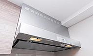 お手入れしやすい整流板により効率よく煙を吸い上げ、ニオイや熱のこもりを防ぎます。
