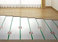 床や壁(耐震璧)などの主要構造部では、鉄筋を格子状に組立て二重に組むダブル配筋を標準としています。(一部箇所はシングル配筋。)