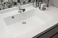 継ぎ目が無いスタイリッシュな洗面カウンター。お手入れが簡単で、いつでも清潔に保てます。