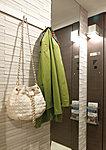シャワーを使いやすい位置に固定できるスライドバーを採用。