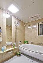 入浴の準備も、お手入れもらくらく。心も体もゆったりと癒されるバスタイムへ。