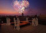 屋上「空桜テラス」で眼前の「隅田川花火大会」を大迫力の音と光で愉しむ