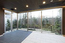 1階に共用施設を充実させ、2~12階に全邸南向きの快適住戸を実現。