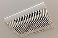 バスルームの防湿・防カビに効果を発揮する優れた換気機能を搭載。雨の日の洗濯物乾燥や寒い日の暖房にもお使いいただけます。