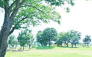 流山おおたかの森駅南口公園 約880m(徒歩11分)