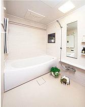機能を凝縮した浴室乾燥機など疲れを癒し、爽快な入浴タイムを実現。