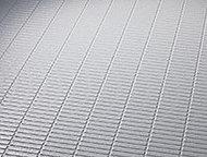 新素材層のフッ素配合有機ガラス系特殊シート採用で、傷つきにくく、簡単なお手入れでキレイが長持ちします。