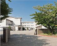 安城市立安城西中学校/約2,630m(自転車で11分)
