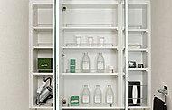 洗面化粧台の三面鏡裏に収納スペースを確保。ドライヤーフックとティッシュBOXスペースも設けています。※Aタイプ、Bタイプ、Cタイプのみ