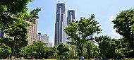 新宿中央公園 約1,000m(徒歩13分)