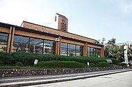 市立中央図書館 約1,520m(徒歩19分)