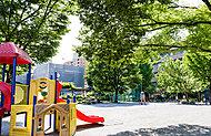 月島第一児童公園 約120m(徒歩2分)