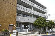 小石川図書館 約720m(徒歩9分)
