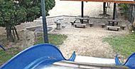 西蟹屋第二公園(カニ公園) 約750m(徒歩10分)