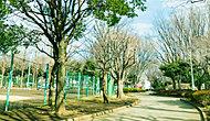 青葉台公園 約890m(徒歩12分)