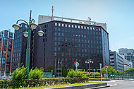 中央区役所 約890m(徒歩12分)