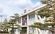 知立小学校 約770m(徒歩10分)
