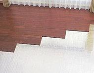 リビング・ダイニングに温水式床暖房を採用。ホコリを巻き上げる風を起こさず、足元からクリーンに暖めます。※リビング・ダイニングのみ